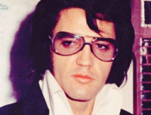 Elvis Presley sous le peigne des Maîtres Barbiers Perruquiers